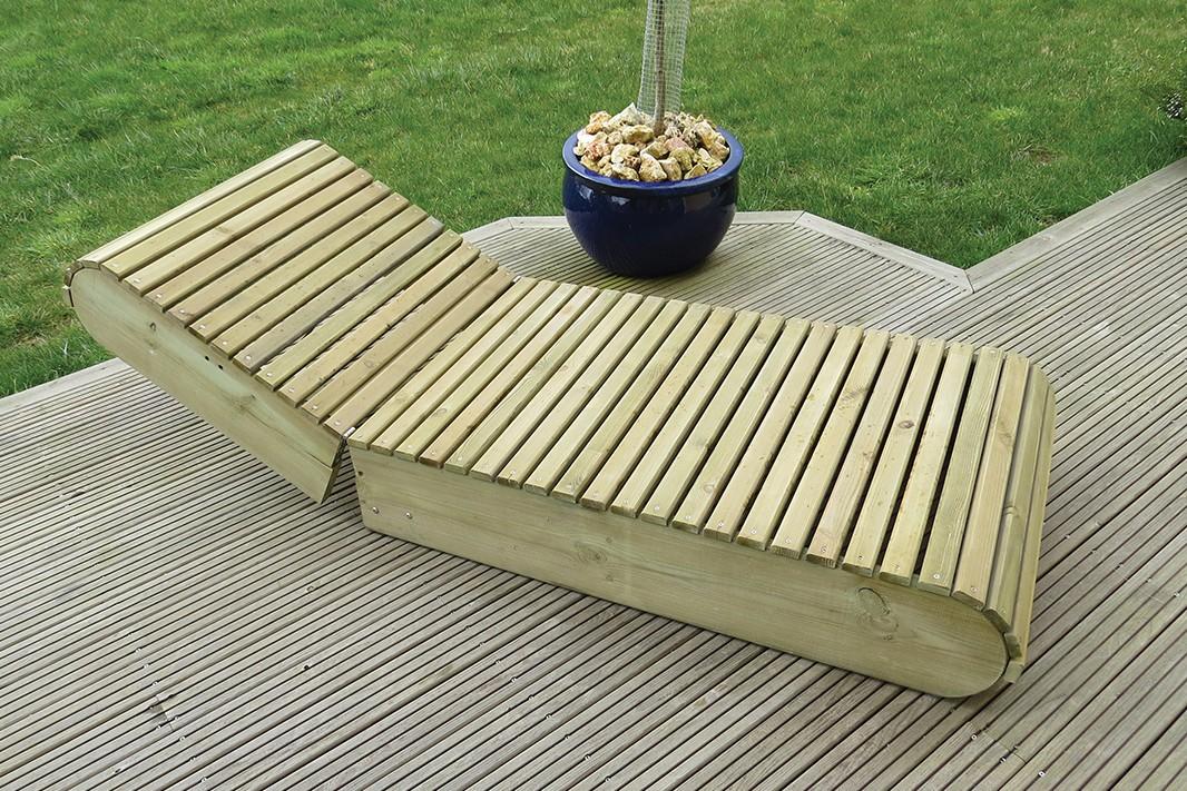 Longue lame de bois for Chaise longue jardin en bois